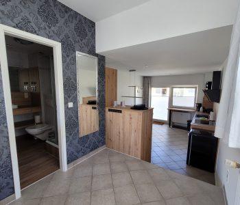 Appartement Blick in Küche und Bad